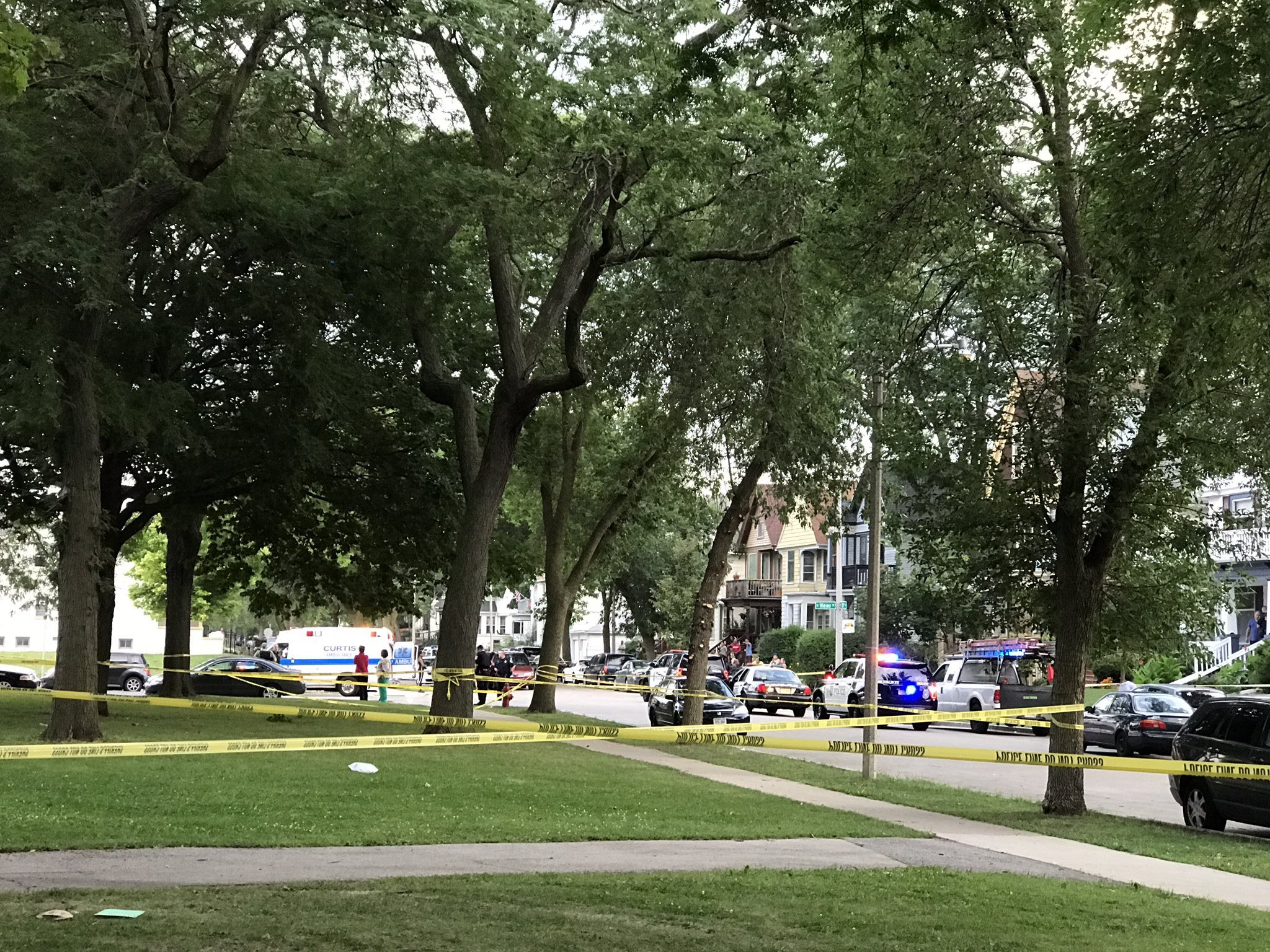 Multiple people stabbed on MKE south side