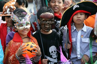 Keep your trick-or-treaters safe with these tips