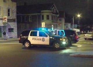 1 shot, 1 stabbed on Milwaukee's south side