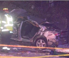 2 dead, 1 critical after crash in Brown Deer
