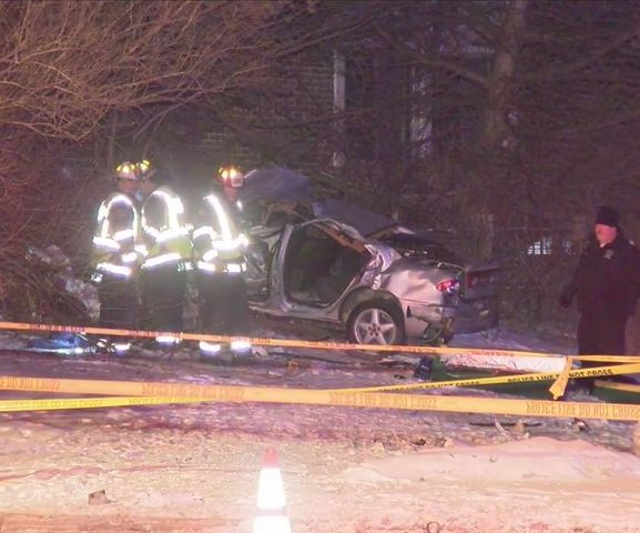 2 killed, 1 critical after crash in Brown Deer