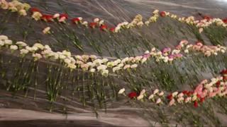 Utah teen buys flowers for every girl at school