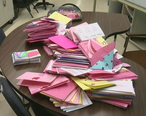 Students create Valentine's Day cards for vets