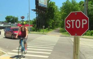 Oak Leaf Trail crossing causes concern