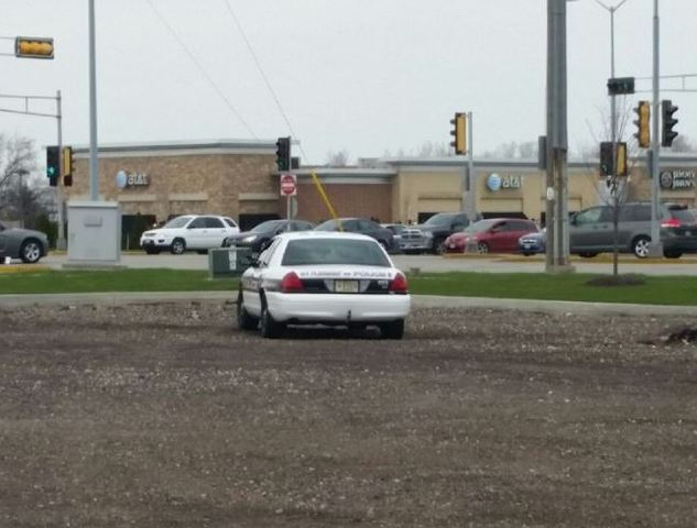 How Much Is A Ticket For Running A Red Light >> Police Write Red Light Tickets At Intersection With Short Yellow Light