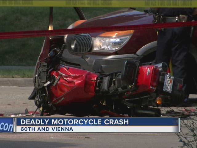 1 dead after motorcycle, SUV collide on Milwaukee's northwest side