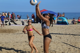 USA Volleyball heats up Bradford Beach