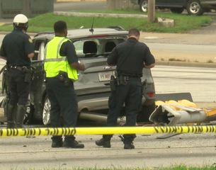 Driver runs light, causes multi-vehicle wreck