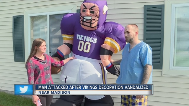 Wisconsin man allegedly stabbed over Vikings lawn inflatable