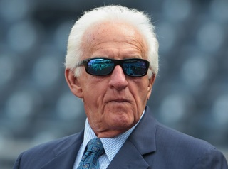 Petition wants Uecker to call World Series games