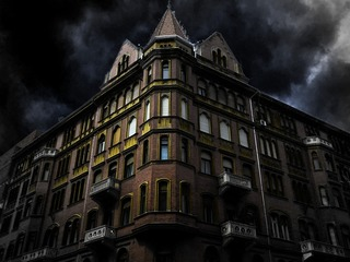 5 Haunted Houses open during the holiday weekend