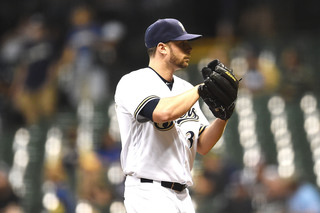 Brewers trade closer Thornburg to Boston Red Sox