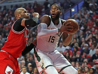 Bucks waive ticket fees for WI residents Thurs.