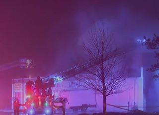 2-alarm fire breaks out at MKE strip mall