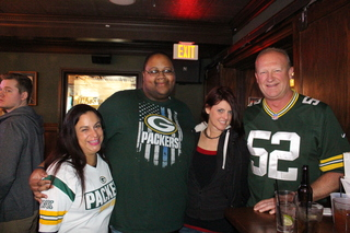GALLERY: Packers fans pack bars for big game