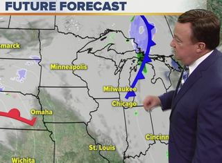 Lows stay mostly above freezing Monday night