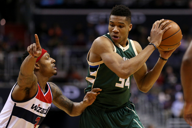 Bucks knock off Raptors in series opener