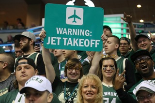 Best fan photos from Bucks-Raptors Game 4
