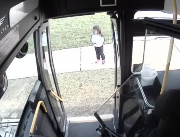 Milwaukee County bus driver helps wandering 5-year-old girl