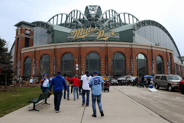 Tickets still available for Brewers-Cubs series
