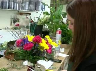 Waukesha floral shop braces for Mother's Day