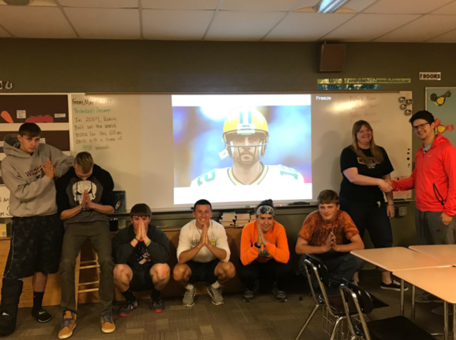 Aaron Rodgers Gets Students out of Sports Literature Final with Retweet