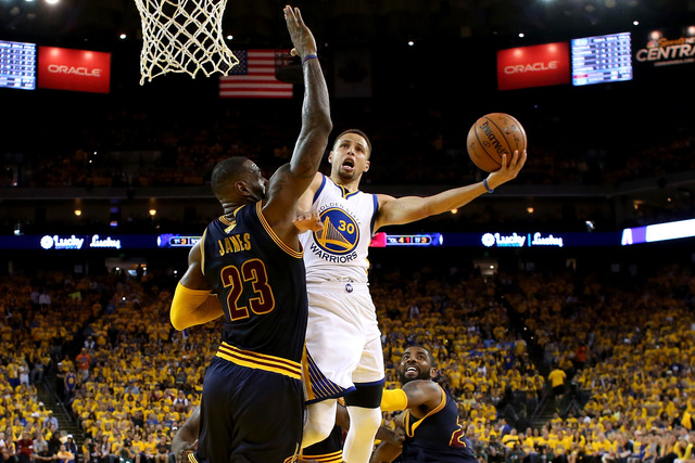James passes Jordan, Cavs back in Finals