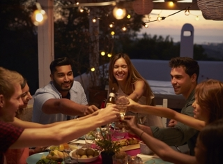 Study: Millennials eat up savings by dining out
