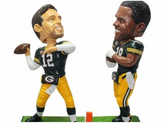 Museum makes bobbleheads of Rodgers' Hail Marys