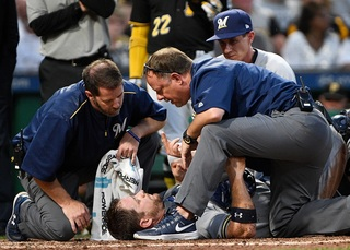 Report: Brewers' Vogt to miss at least a month