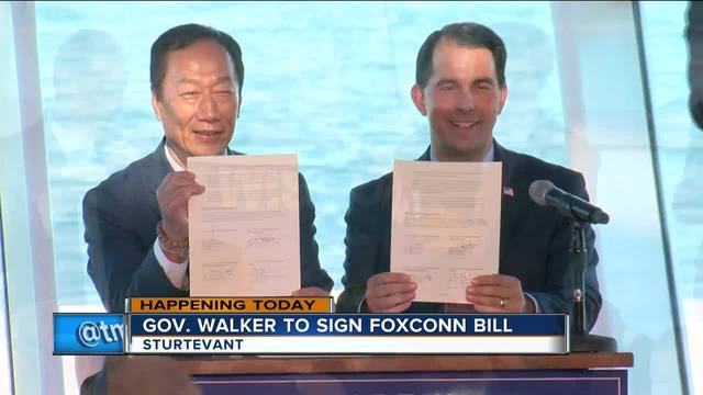 Scott Walker signs $3B Foxconn deal in Wisconsin