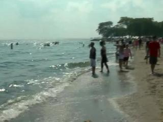 Warm fall temperatures prompt need to stay cool