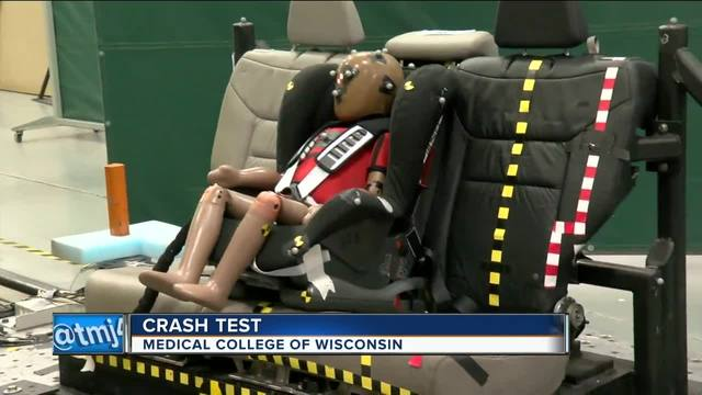 medical college of wisconsin crash lab tests child car seat safety tmj4 milwaukee wi. Black Bedroom Furniture Sets. Home Design Ideas