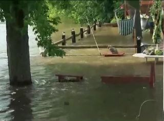 Fox river crests flooding problems persist tmj4 for Yard flooding problems