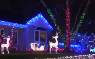 Ask The Expert: Candy Cane Lane returns!