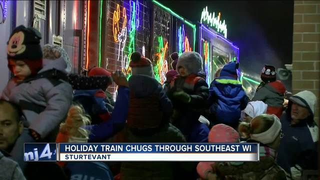 canadian pacific holiday train arrives in wisconsin