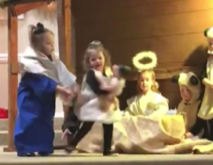 Toddler fight breaks out during nativity play