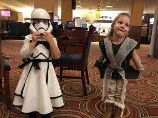 GALLERY: Fans dress up for 'Last Jedi' premier
