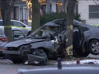 Man dies after crashing into tree, fleeing MPD