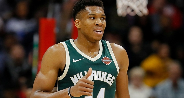 Giannis' controversial game-winner lifts Bucks over Thunder