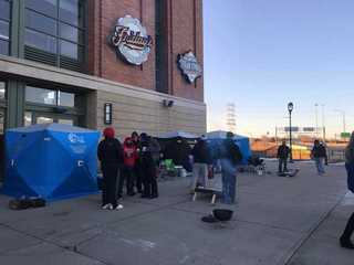Brewers kick off ticket sales with Tailgate
