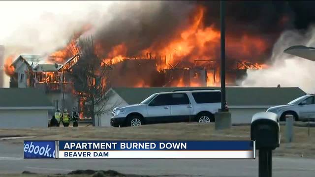 Bomb techs collected some valuables before Beaver Dam apartment burned