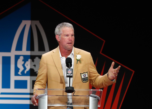 Favre says he might have had 'thousands' of concussions