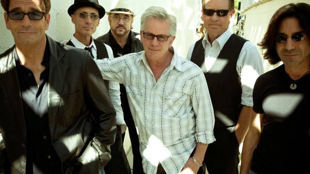 Huey Lewis Cancels Tour After Losing Hearing