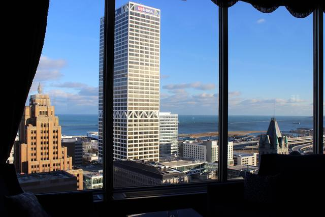 Raise The Roof 11 Of Milwaukee S Best Rooftop Bars And