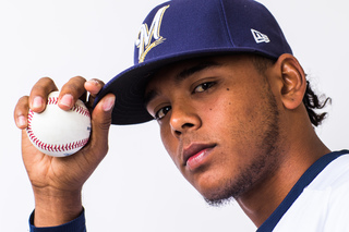 Brewers minor leaguer gets Mother's Day surprise