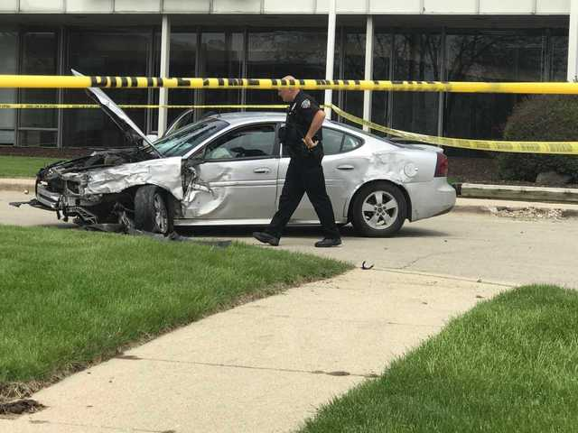 Attempted bank robbery ends in crash in MKE