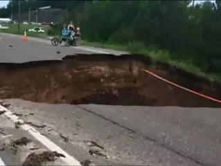 Midwest states endure flash flooding, heat wave