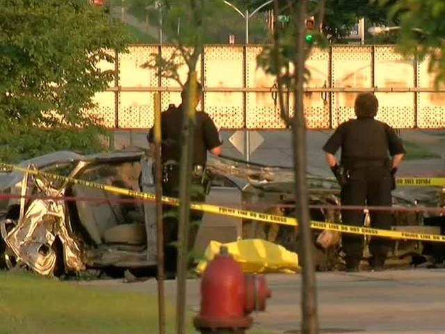 1 killed in car crash on Milwaukee's south side
