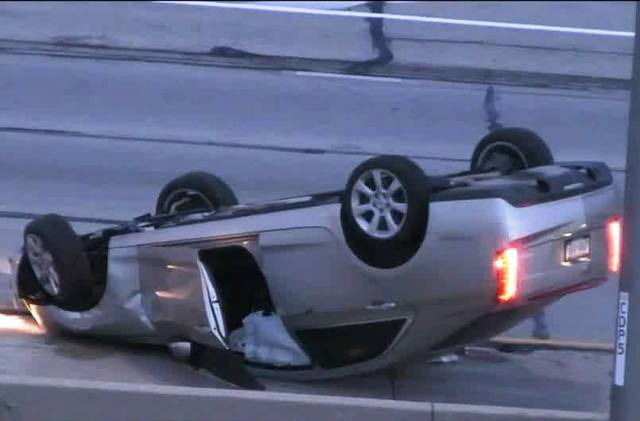 1 dead in rollover crash on I-41 near Wauwatosa